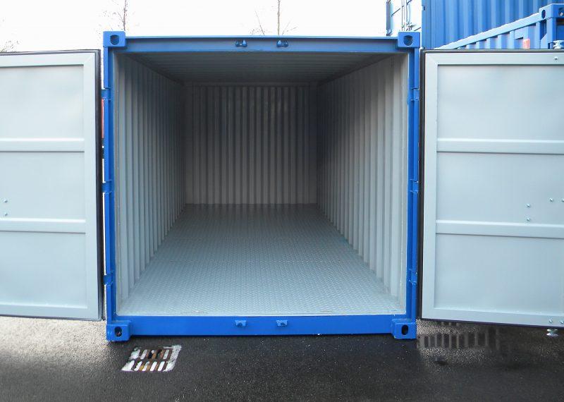 5 ft Container met stalen vloer front deuren open 1