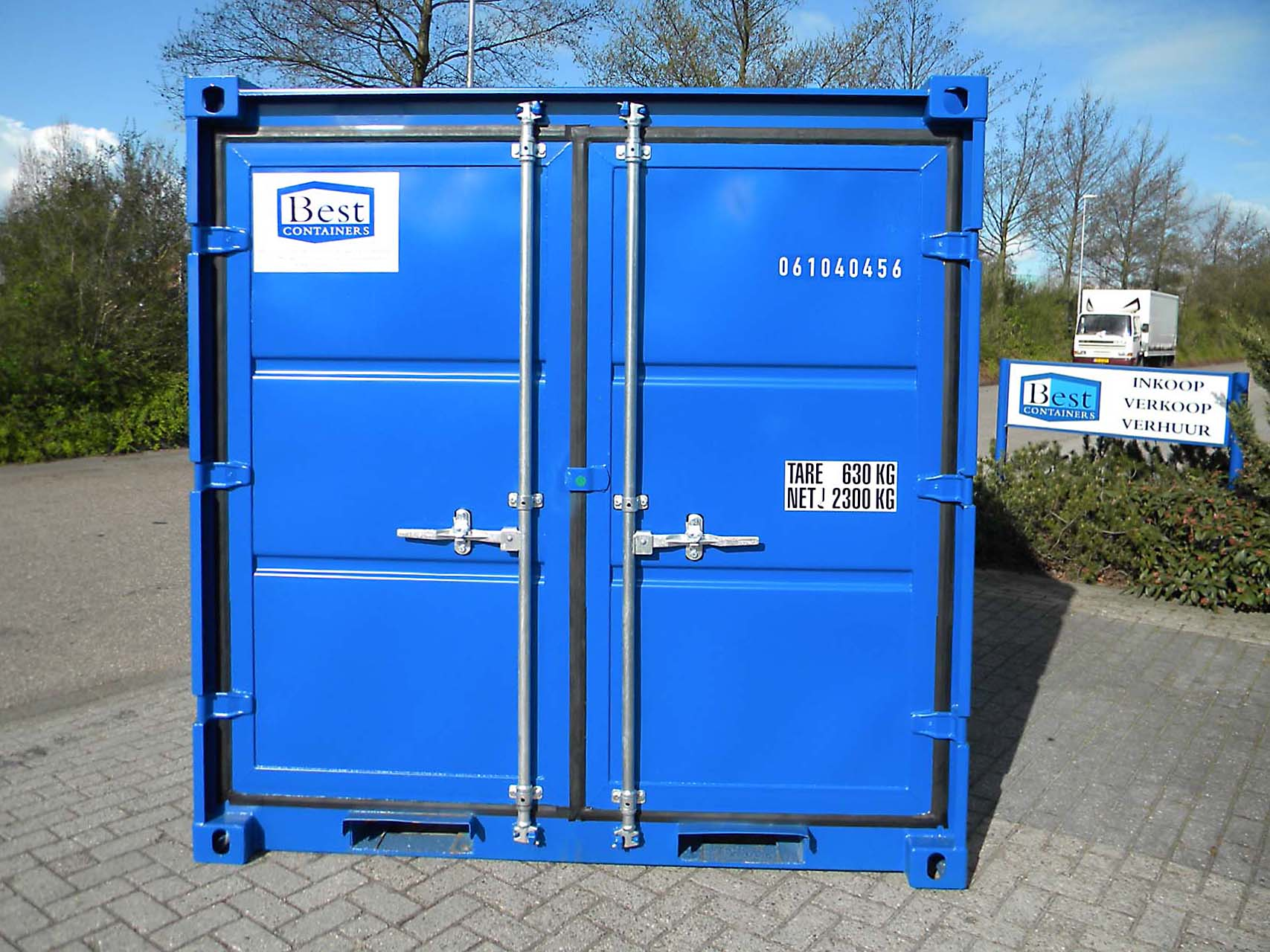 8ft Container front